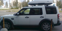 Land Rover Discovery 4 с боксом Thule Motion 800 белый